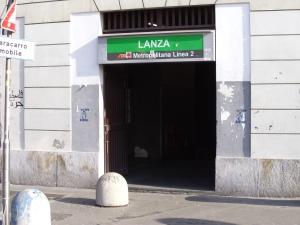 mm2_lanza_ingresso-palazzo_2011_2